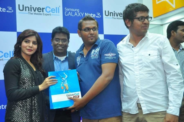 samantha-launches-samsung-galaxy-note3-mobile1380172652