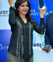 actress-samantha-samsung-galaxy-note3-launch1380172652