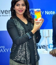 heroine-samantha-samsung-galaxy-note3-phone-launch1380172652