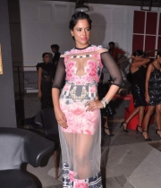 sameera-reddy-latest-hot-navel-cleavage-show-pictures-10