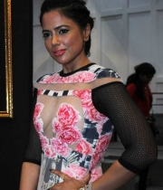 sameera-reddy-latest-hot-navel-cleavage-show-pictures-6