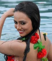 sana-khan-latest-hot-photo-stills-12