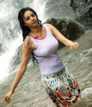 sanam-shetty-hot-in-wet-clothes-10