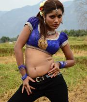 sandhithathum-sindhithathum-movie-hot-stills-01