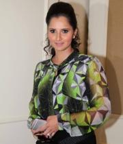 sania-mirza-latest-photos-13