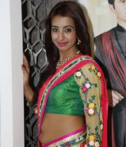 sanjana-hot-navel-show-in-half-saree-03