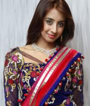 sanjana-hot-navel-show-in-half-saree-04