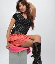 sanjana-latest-hot-thighs-show-in-mini-skirt-10