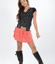 sanjana-latest-hot-thighs-show-in-mini-skirt-3