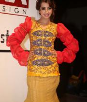 sanjana-ramp-walk-photos-at-hfw-day-2-18