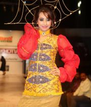 sanjana-ramp-walk-photos-at-hfw-day-2-2