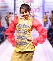 sanjana-ramp-walk-photos-at-hfw-day-2-22