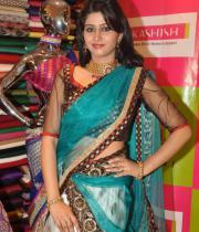 shamili-agarwal-half-saree-stills-6