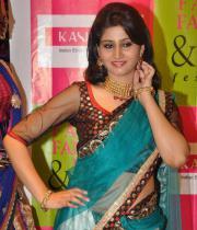 shamili-agarwal-half-saree-stills-8