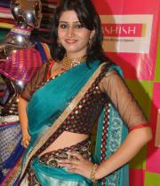shamili-agarwal-half-saree-stills-9