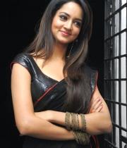 shanvi-hot-in-black-saree-photos-16