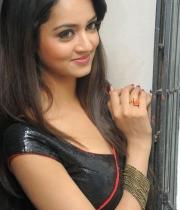 shanvi-hot-in-black-saree-photos-25