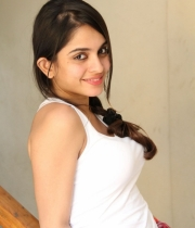 sheena-shahabadi-new-photo-stills-68