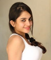 sheena-shahabadi-new-photo-stills-70
