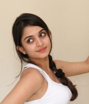 sheena-shahabadi-new-photo-stills-73