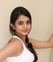 sheena-shahabadi-new-photo-stills-75