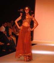 shilpa-reddy-ramp-walk-at-lakme-fashion-week-13