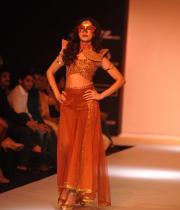 shilpa-reddy-ramp-walk-at-lakme-fashion-week-4