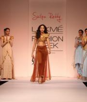 shilpa-reddy-ramp-walk-at-lakme-fashion-week-6