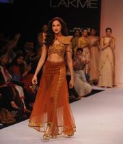 shilpa-reddy-ramp-walk-at-lakme-fashion-week-8
