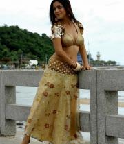 shraddha-arya-latest-hot-photos-15
