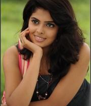 actress-shravya-hot-stills191386415785
