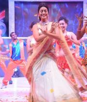 shreya-dance-performance-at-tollywood-channel-launch-1