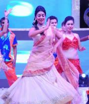 shreya-dance-performance-at-tollywood-channel-launch-13