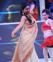 shreya-dance-performance-at-tollywood-channel-launch-14