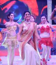 shreya-dance-performance-at-tollywood-channel-launch-2