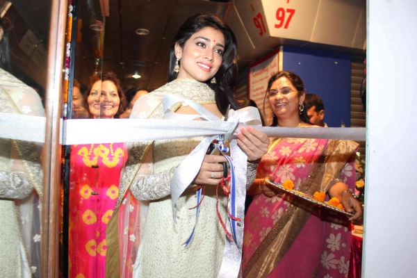 shriya-at-inner-wheel-club-launch-4