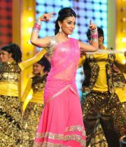 shriya-dance-performance-at-mirchi-music-awards-2012-5