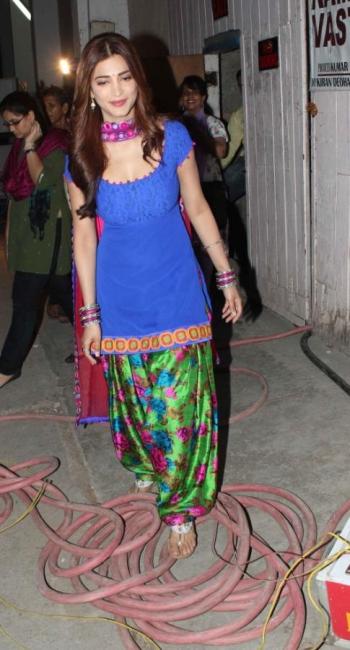 actress-shruti-hassan-latest-photostills-gallery-06_s_537