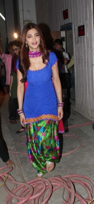 actress-shruti-hassan-latest-photostills-gallery-07_s_163