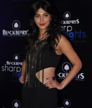 shruti-hassan-latest-stills-2