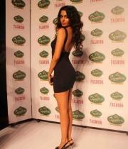 Sarah Jane Dias @ Signature International Fashion Weekend 2013 Day 2 Photos
