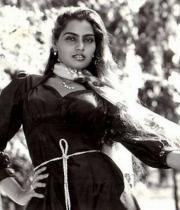 silk-smitha-rare-hot-pics-03
