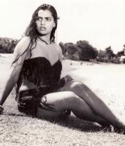 silk-smitha-rare-hot-pics-04