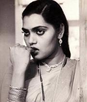 silk-smitha-rare-hot-pics-08