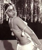 silk-smitha-rare-hot-pics-09