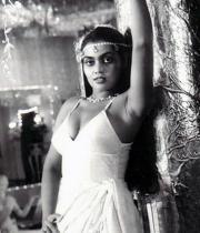 silk-smitha-rare-hot-pics-11