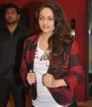actress-sneha-ullal-latest-photostills-gallery-02_s_112