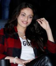 actress-sneha-ullal-latest-photostills-gallery-03_s_672