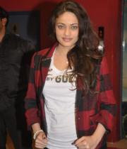 actress-sneha-ullal-latest-photostills-gallery-04_s_283
