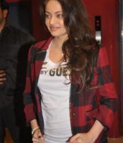 actress-sneha-ullal-latest-photostills-gallery-06_s_266